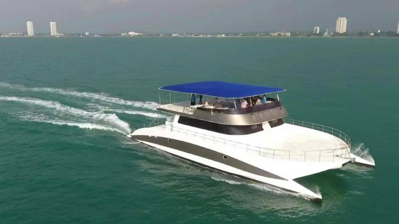 Catamaran 74 ft