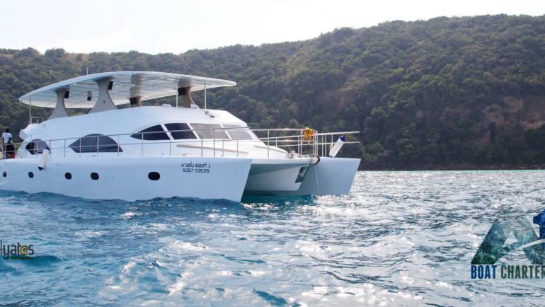 Catamaran 72 ft